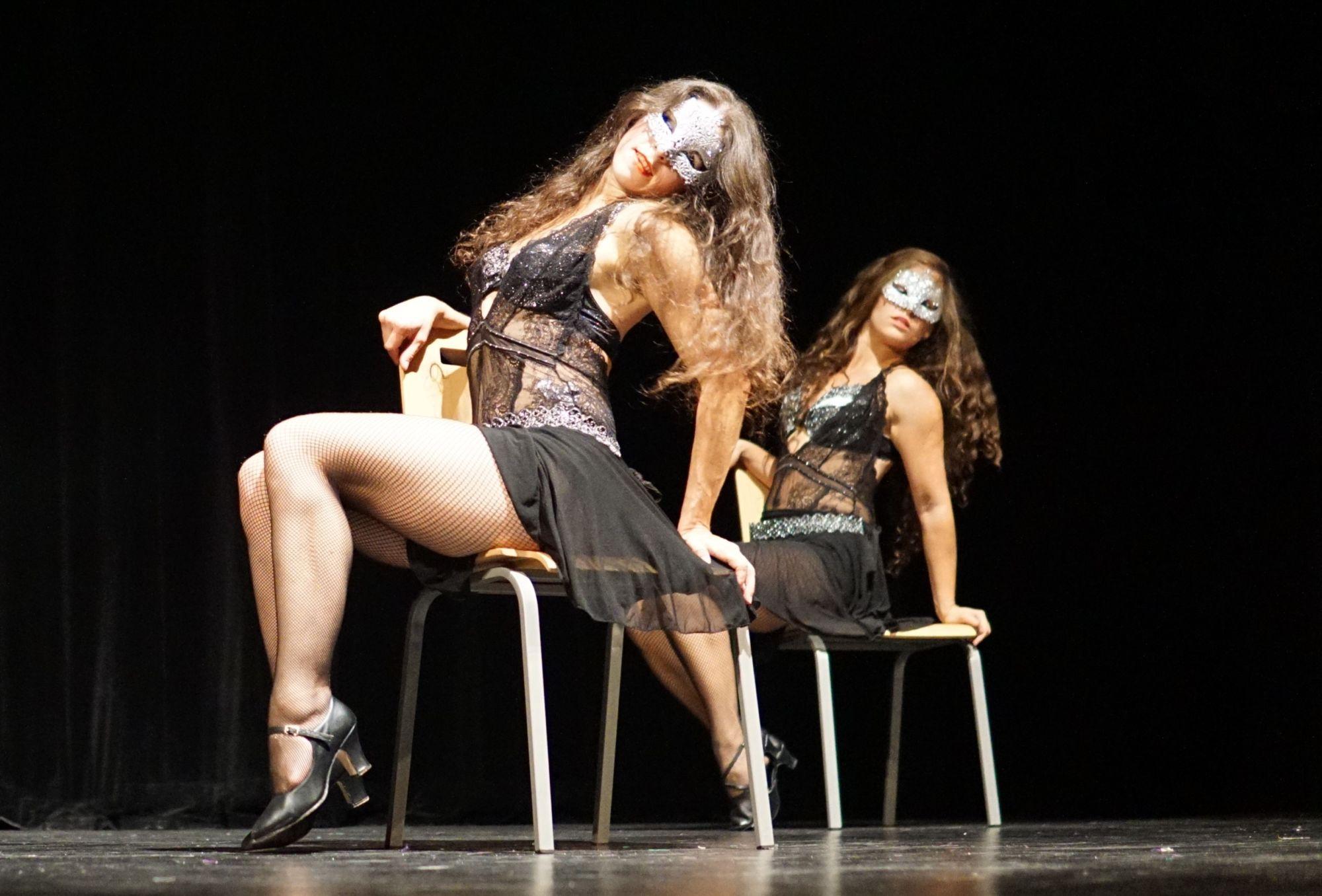 Chair dance - taneční vystoupení - Rinas Company