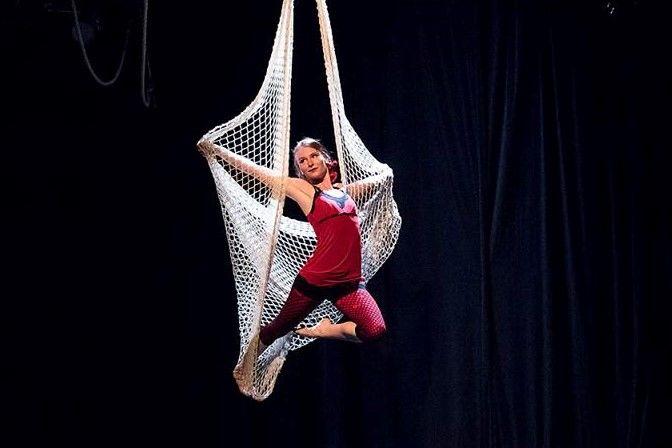 Akrobatické vystoupení - Aerial net - Rinas Company