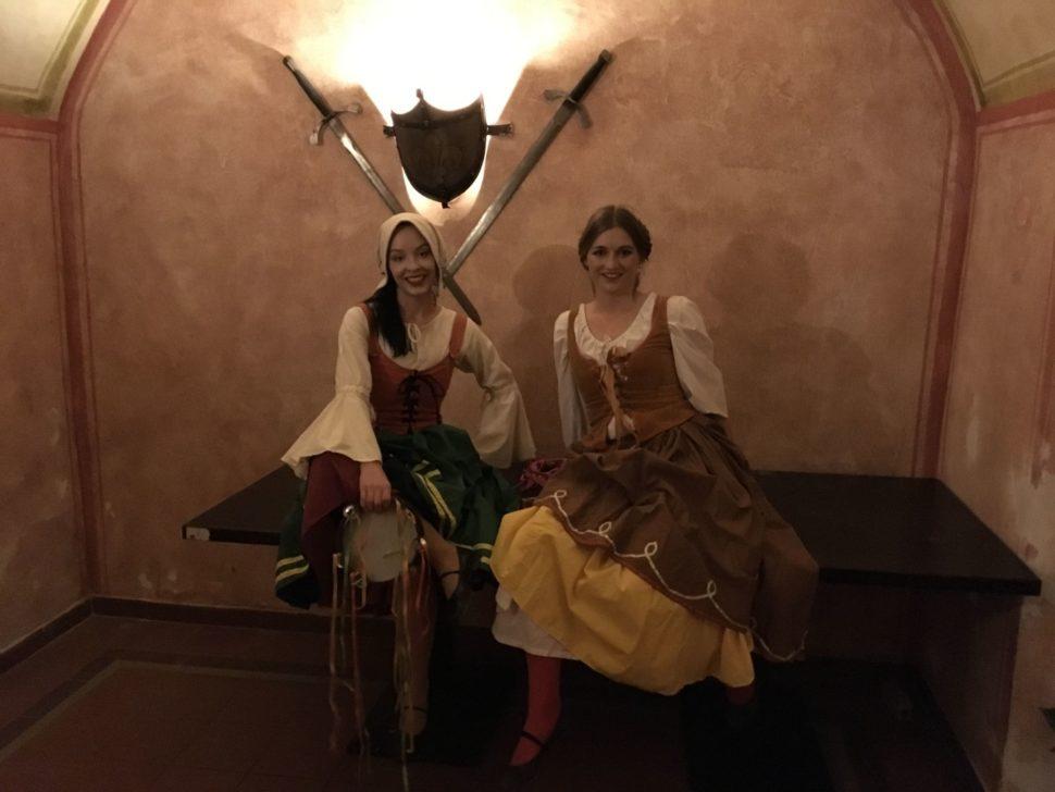 Historické tance - taneční vystoupení - Rinas Company