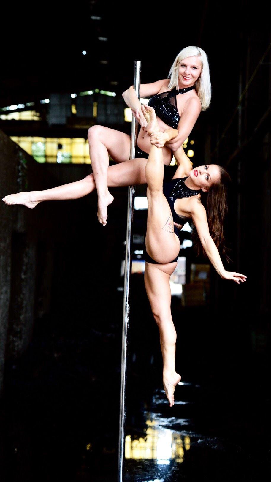 Pole dance - taneční vystoupení - Rinas Company