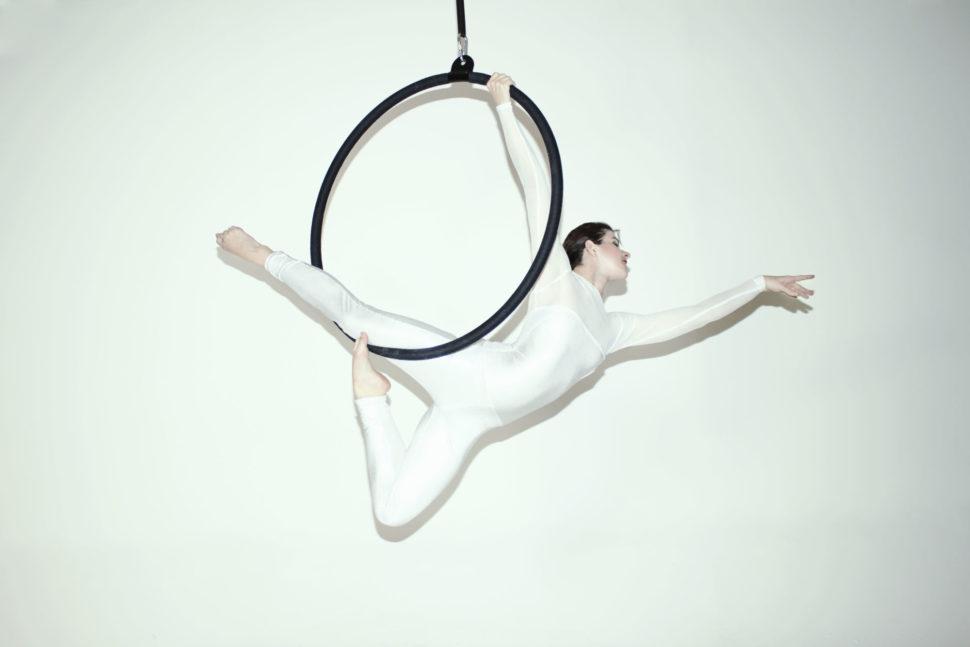 Akrobatické vystoupení - Aerial hoop