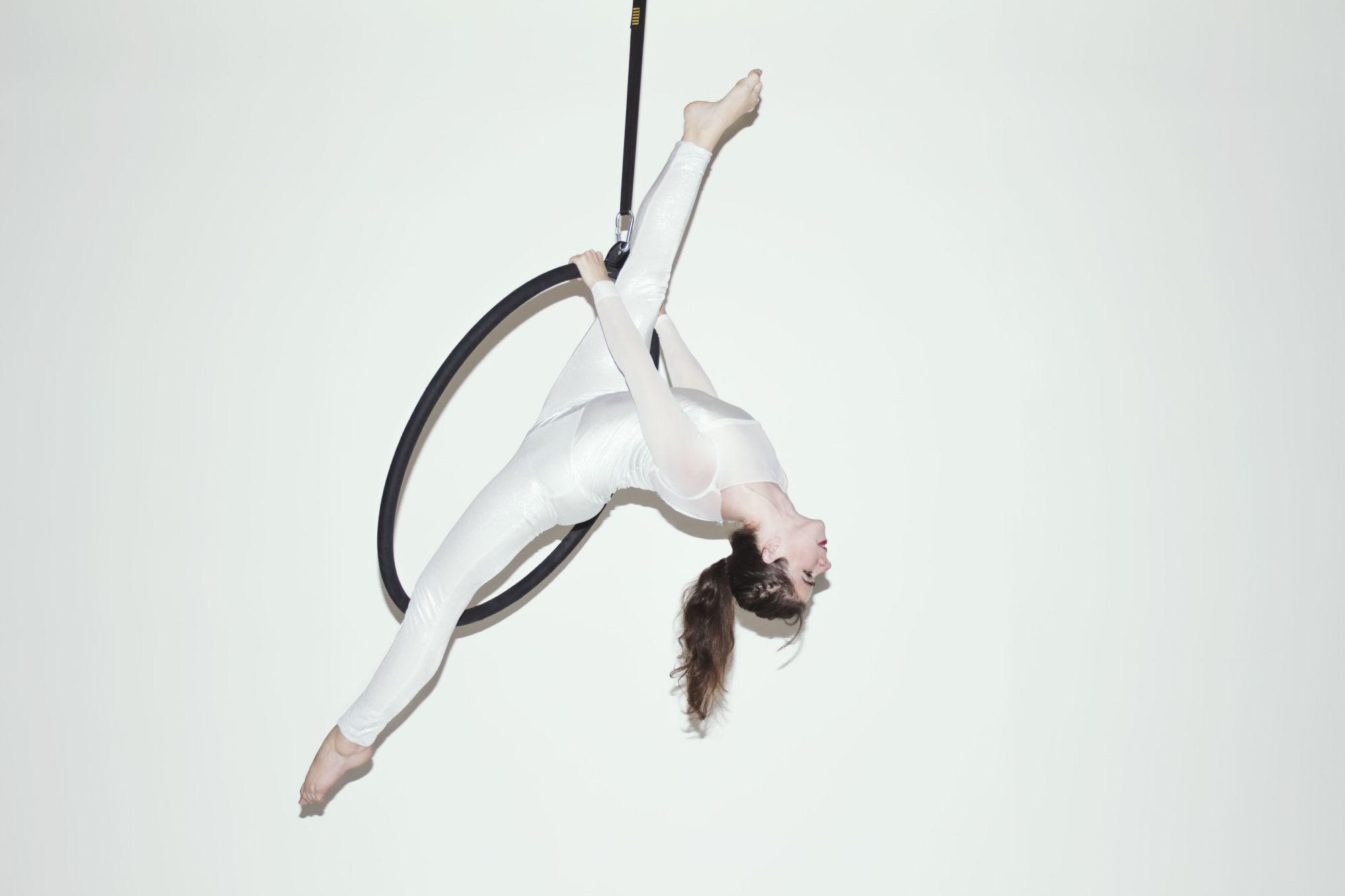 Akrobatické vystoupení - Aerial hoop - Rinas Company